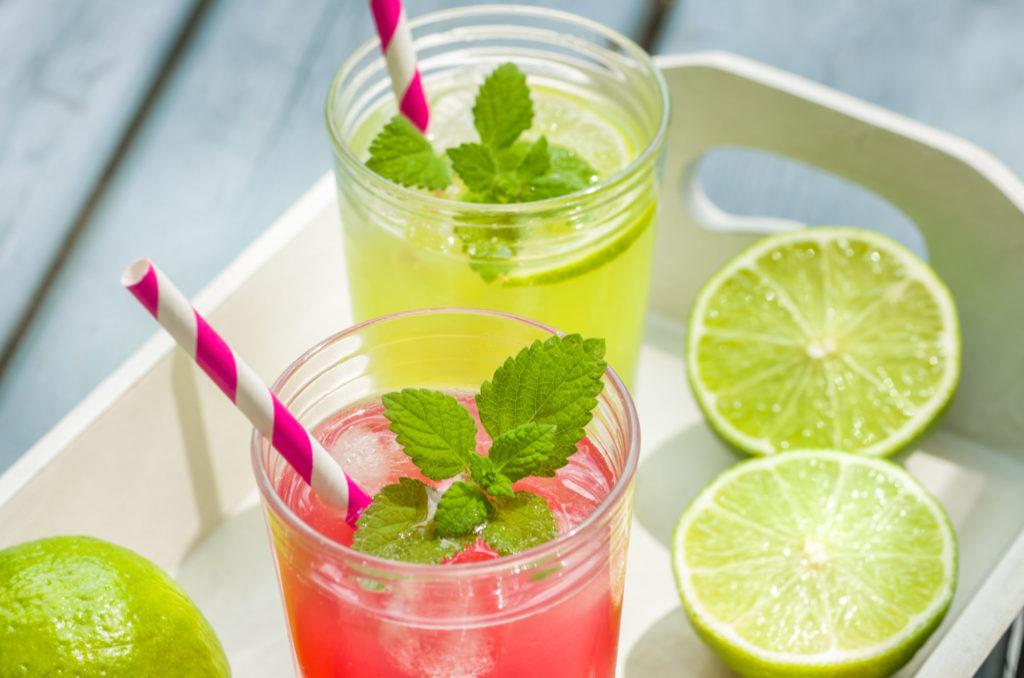 10 gezonde verfrissende zomerdrankjes