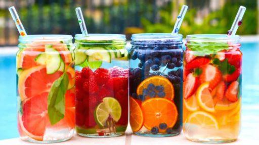 10 manieren om drinkwater lekkerder te maken