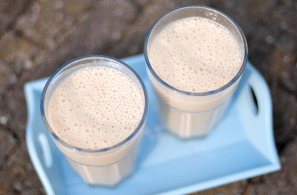 10 redenen om amandelmelk te drinken