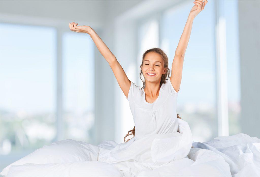10 tips om 's morgens vrolijker op te staan