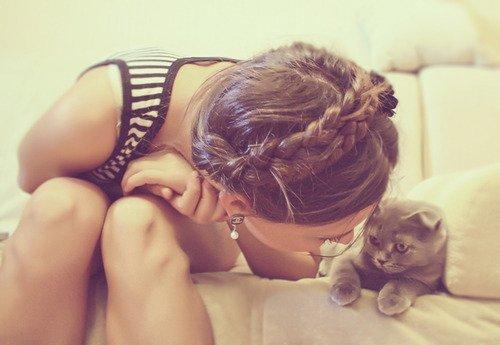 11 redenen waarom vrouwen met een kat de beste girlfriends zijn