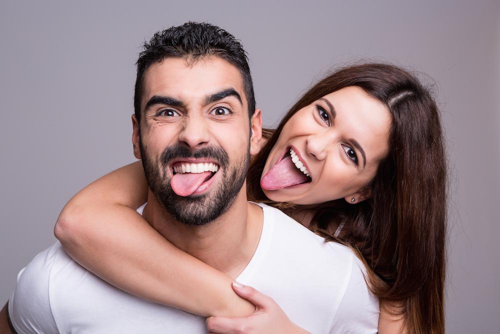 12 signalen dat je letterlijk verslaafd bent aan je partner