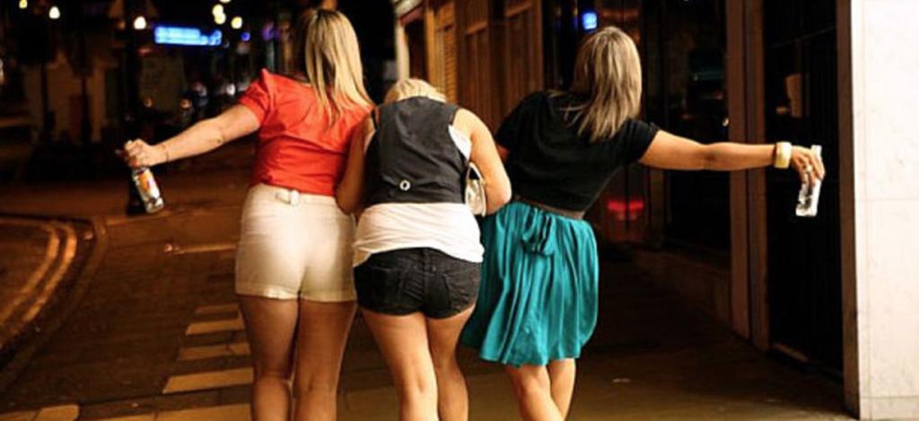 13 Dingen die je denkt als je dronken naar huis wandelt