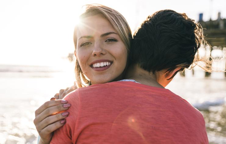 15 dingen die je zeker herkent als je lief stapelzot op je is