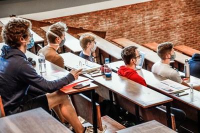 KU Leuven test studenten zelf op coronavirus