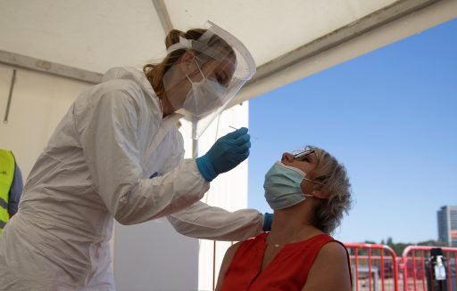 Nouvelle stratégie de testing en Belgique: vers un retour des cas prioritaires?