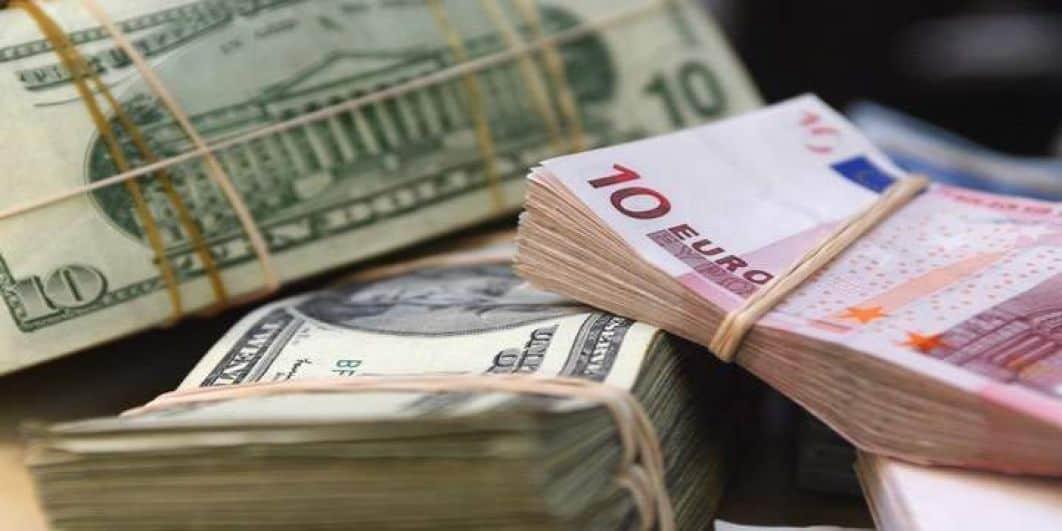 Dollar zakt naar laagste punt in ruim twee jaar