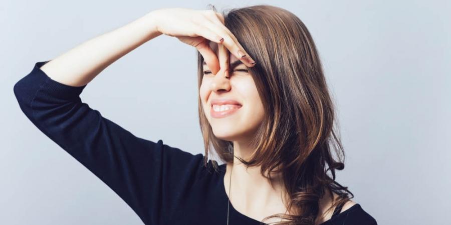 4 argumenten waarom stinkende scheten inhaleren gezond is!