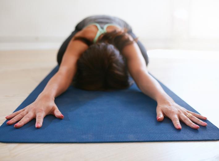 4 exercices simples de yoga