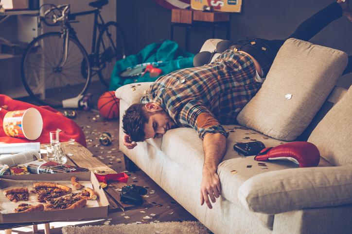 4 redenen waarom je zo snel dronken wordt in het weekend