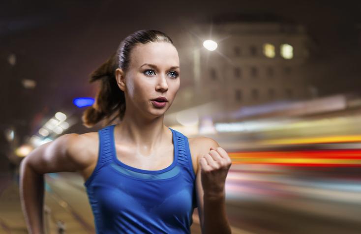4 redenen waarom 's avonds sporten goed is voor je gezondheid