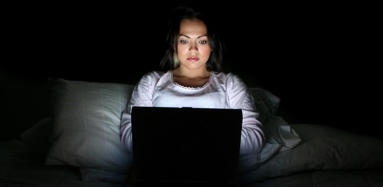 5 dingen die je nooit mag doen voor je gaat slapen