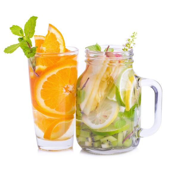 5 manieren om je water een lekkere smaak te geven