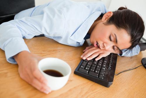 5 tips om niet in slaap te vallen op het werk