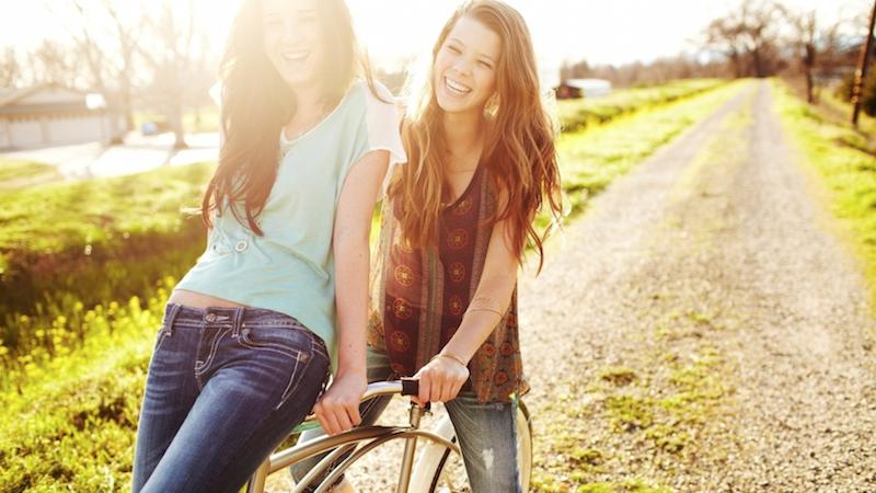 6 dingen die alleen je beste vriendin over je weet