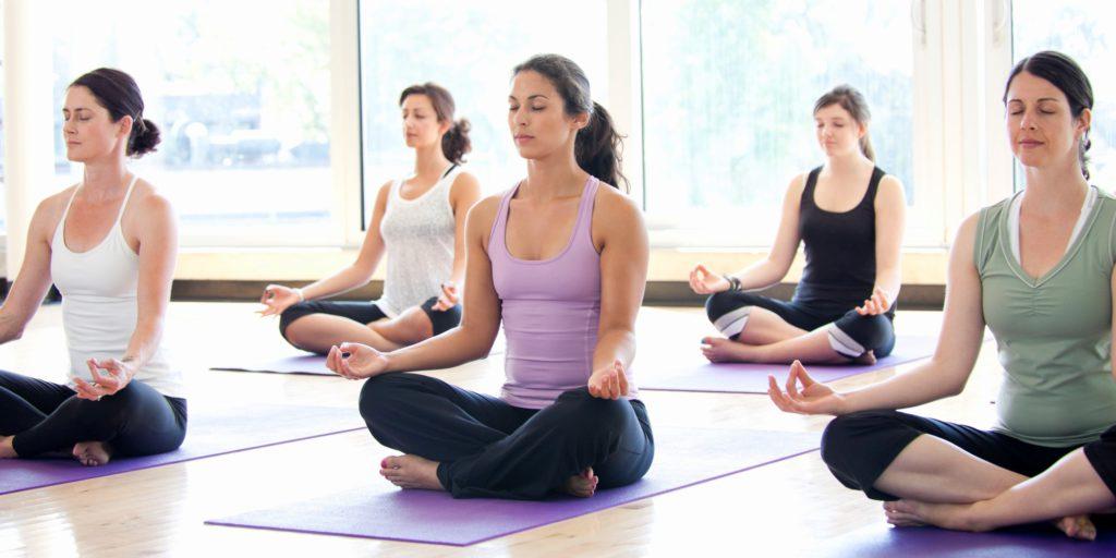 6 dingen die je moet weten voor je eerste yogales