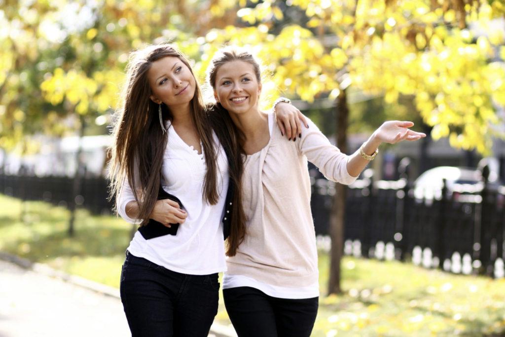 6 redenen waarom jij een zus moet hebben