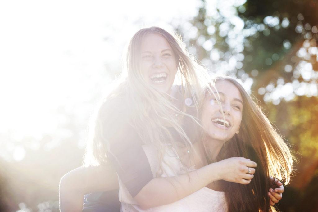 6 redenen waarom lachen gezond is