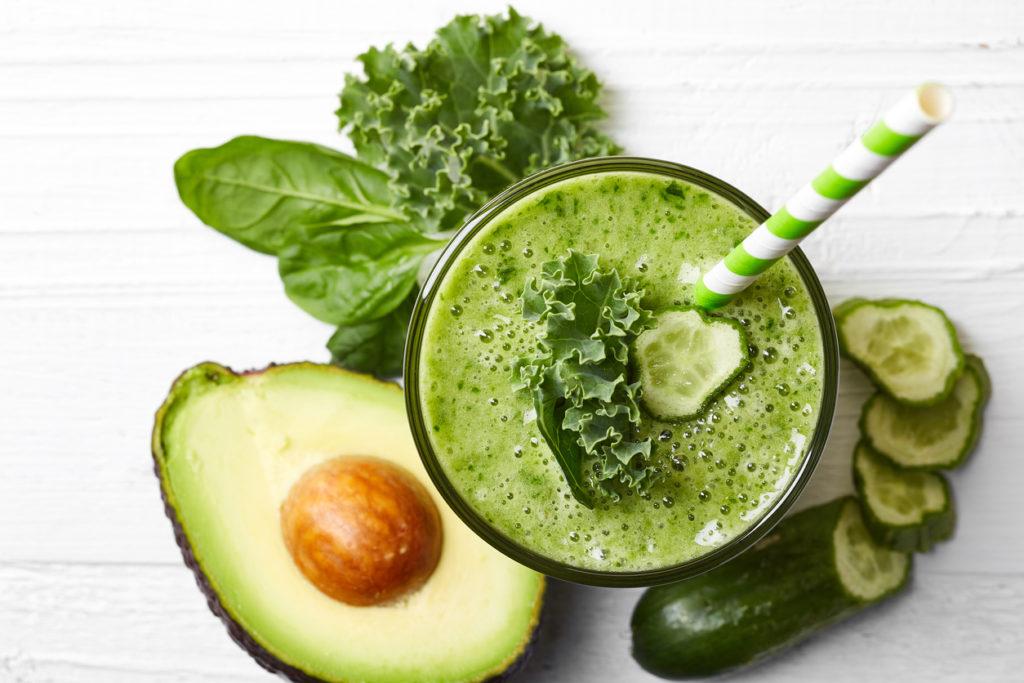 7 dingen die gebeuren als je elke dag een groene smoothie drinkt