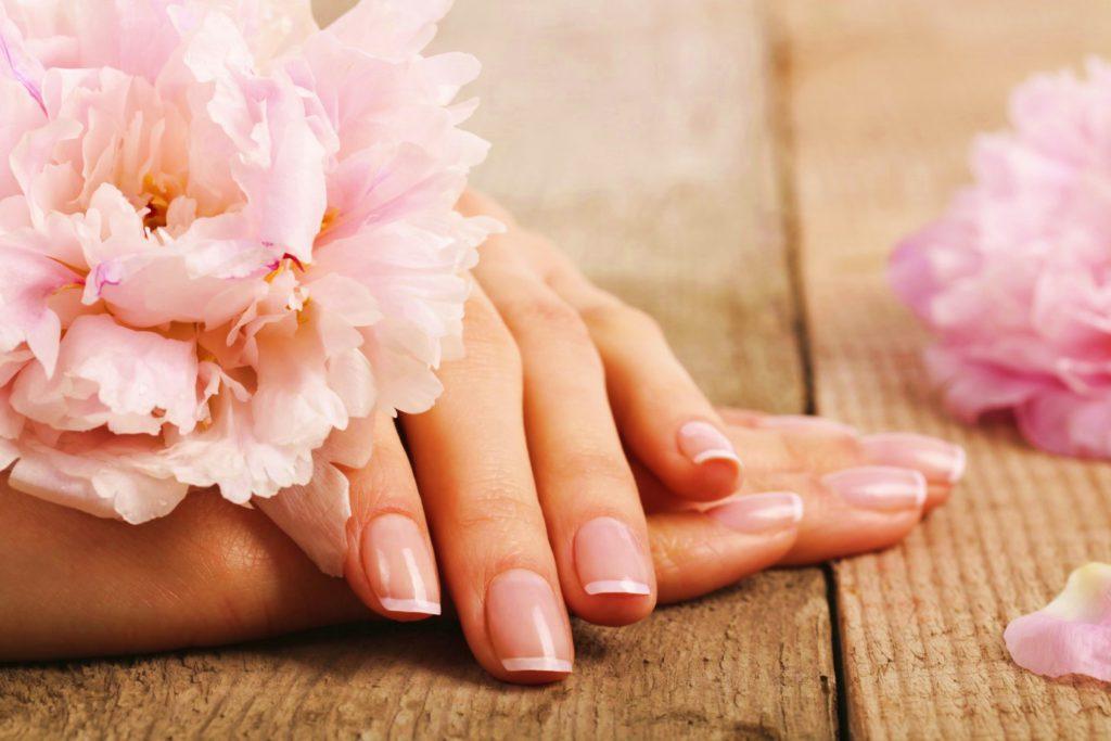 7 tips voor mooi verzorgde nagels