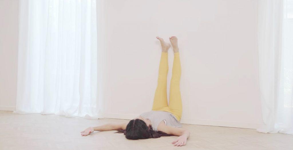 VIDEO Mentaal en fysiek gezond de lockdown door: yoga voor een betere vertering en minder stress
