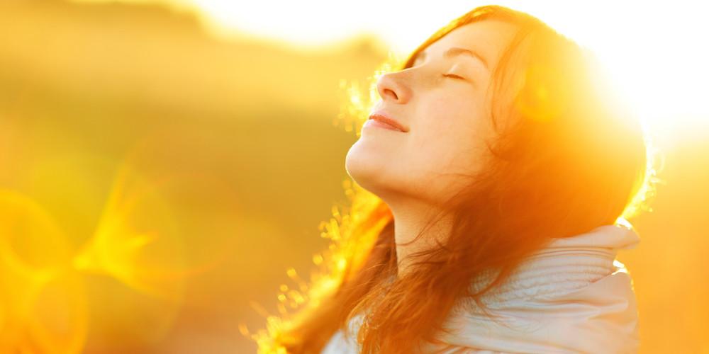 8 manieren om je in no-time weer happy te voelen