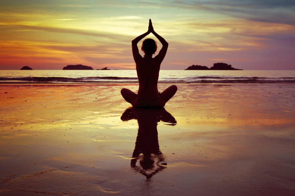 9 redenen waarom iedereen aan yoga zou moeten doen