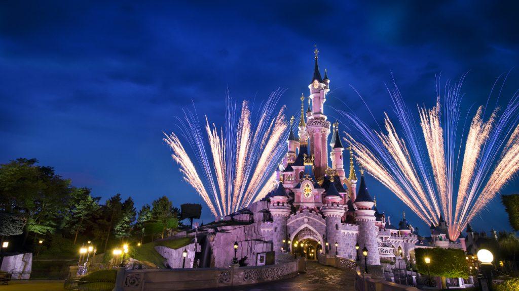 Achter De Attractie Disney+