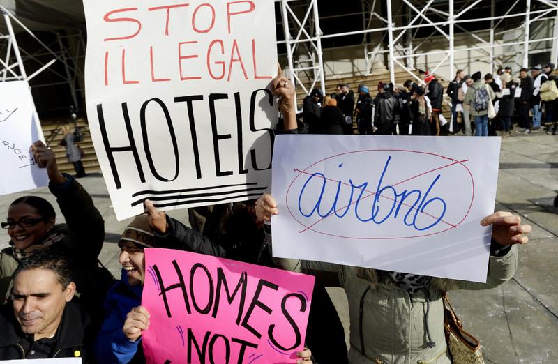 Airbnb sera l'un des principaux sponsors des Jeux Olympiques 2024 qui se tiendront à Paris. L'entreprise de location américaine espère se racheter une image après plusieurs controverses.
