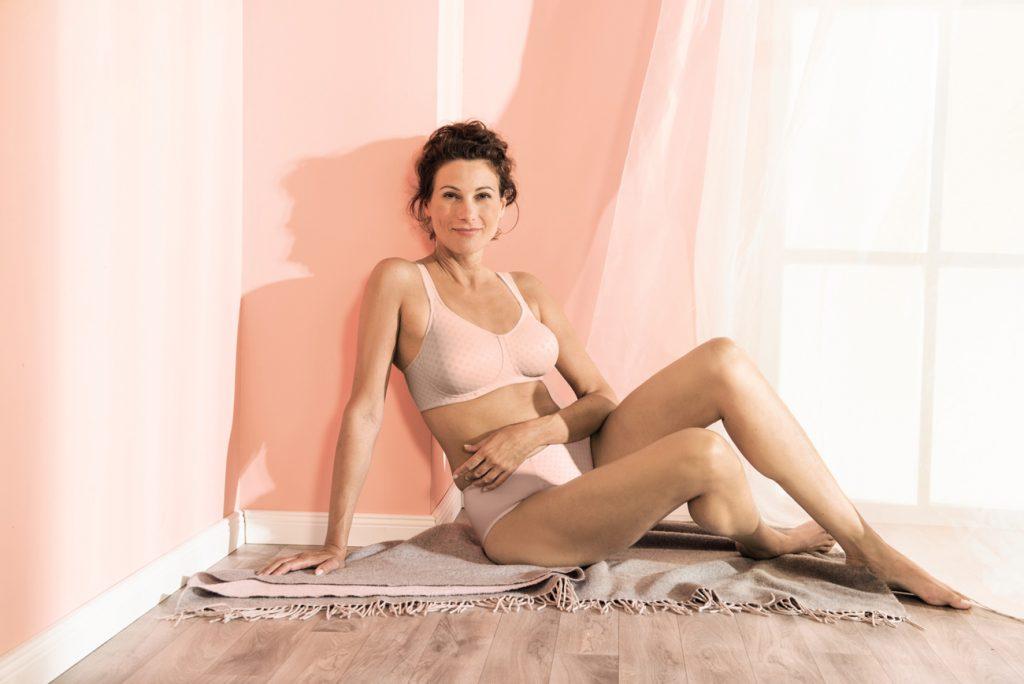 Primeur: Anita Care werkt samen met slechtzienden om lingerie te ontwerpen!