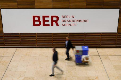 Avec 9 ans de retard et en pleine crise, le nouvel aéroport de Berlin entre en service
