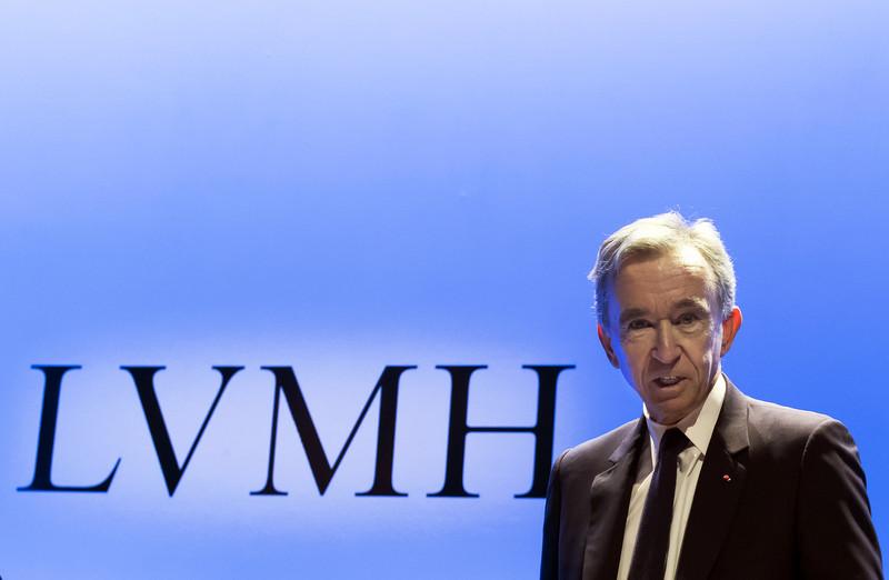 Bernard Arnault, CEO van LVMH, is opgetogen met de goede jaarresultaten en heeft voor 2020 'een voorzichtig vertrouwen'. - EPA/ CHRISTOPHE PETIT TESSON.