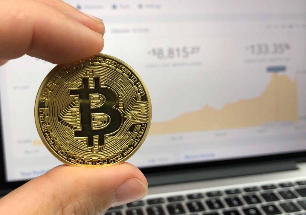 Na een weekenddip kijkt bitcoin tegen de 20.000 dollar aan