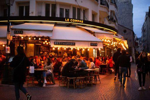 Nieuwe verplichte sluiting voor cafés dreigt in Parijs