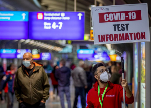 Le patron de l'IATA : 'Un accord européen sur les tests rapides dans tous les aéroports, et une levée de la quarantaine devraient être envisageables dès ce mois-ci'