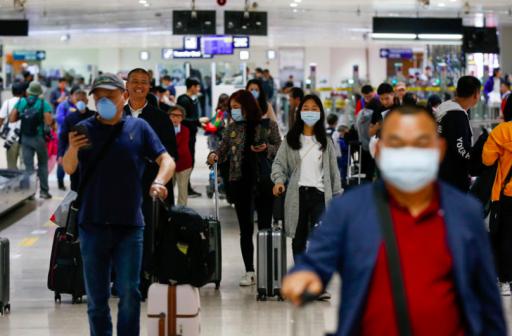 Au Royaume-Uni, les 'faux passeports Covid' permettent aux passagers  de voyager sans problème