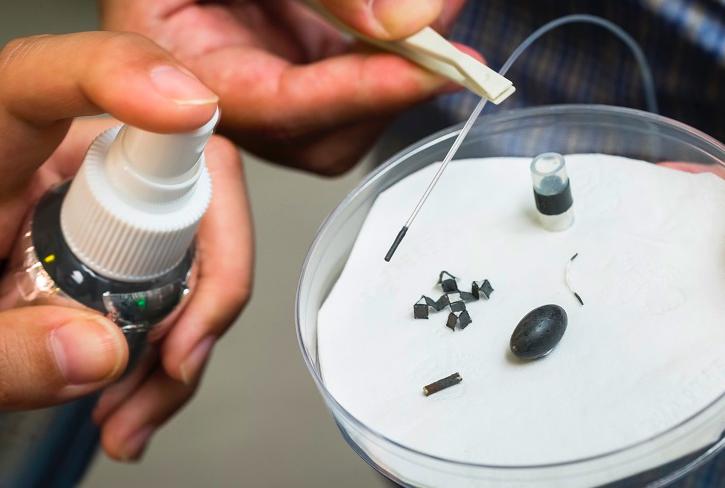 Ce spray est capable de transformer des petits objets en… robots