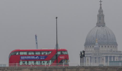 À Londres, les offres d'emploi on chuté de 50% : les Britanniques subissent le plus gros coup dur en Europe