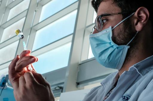 Des analyses effectuées dans des hôpitaux israéliens suggèrent que le vaccin contre le Covid-19 est efficace dès la première dose