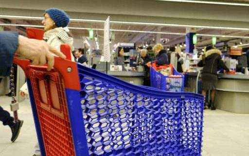 Na Colruyt en Delhaize sluit ook Carrefour de winkels op vrijdag tijdelijk om 20 uur