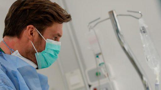 Alle coronacijfers blijven stijgen, bijna 6.500 coronapatiënten in het ziekenhuis