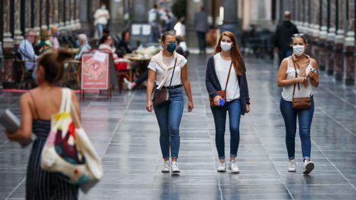 Besmettingen stijgen naar gemiddeld 1.476 per dag