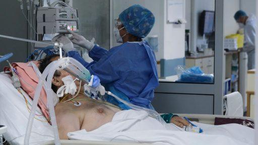 Coronacijfers tonen gemengd beeld: nieuwe besmettingen stabiel, maar druk op intensieve zorg neemt toe