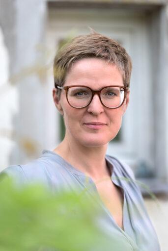 Psychologe Elke Van Hoof over de mentale impact van de coronacrisis: 'Door overbelasting zijn heel veel mensen nu vatbaarder voor burn-outs'