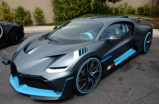 Sportwagenbouwer Bugatti krijgt mogelijk een nieuwe eigenaar