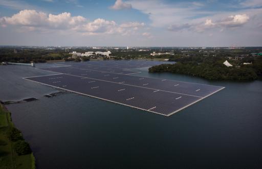 Studie: 'Drijvende zonnekracht kan bijna heel de wereld van elektriciteit voorzien'