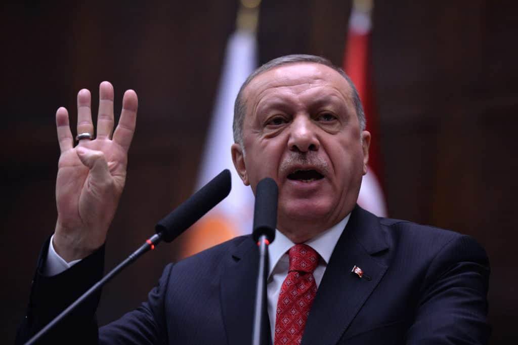 Erdogan roept op tot boycot: 'Koop geen Franse merken meer'