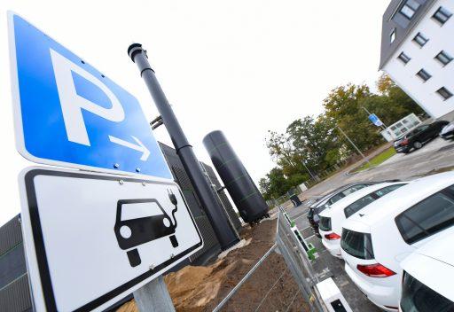 Europeanen kopen nu meer hybride en elektrische auto's dan diesels