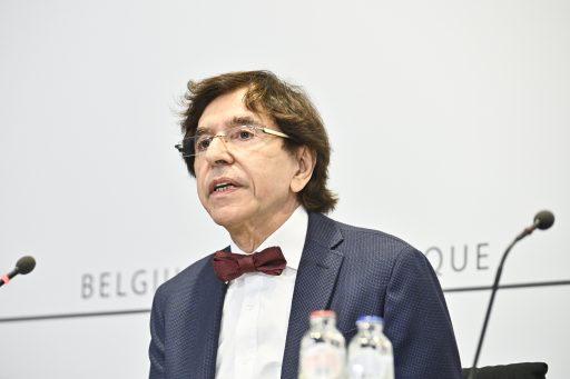 Frankrijk achterna? Di Rupo wil sterkere maatregelen 'richting een grotere lockdown'