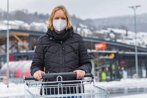 Duitsland verplicht medische mondmaskers bij winkelbezoek